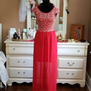 Beautiful flowy Red maxi dress
